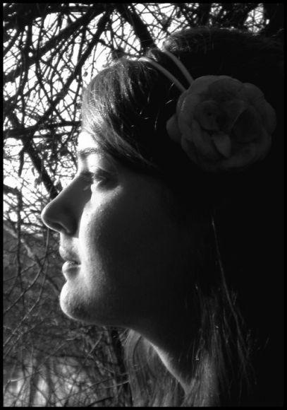 http://une-rose-sur-la-lune.cowblog.fr/images/Autoportrait.jpg